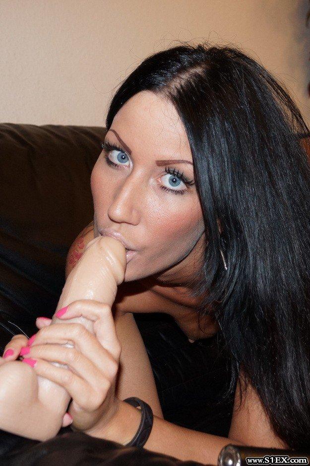 Kozma Nikolett vaginája meg egy nagy műfasz
