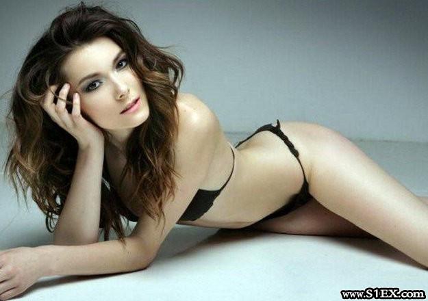 grigorescu_andrea_bikiniben