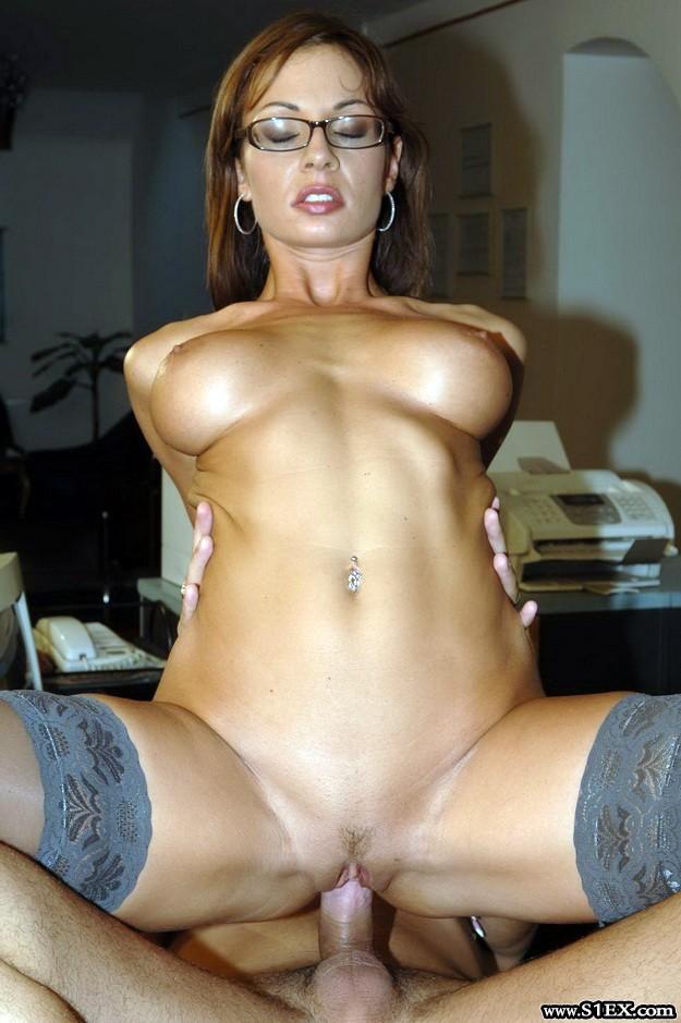 Nótári Csilla pornóban imádta a nagy faszokat