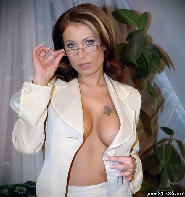 nagy-eliza-pornos-MILF-anyuka