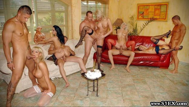 csoportszex-porno-szopas-baszas