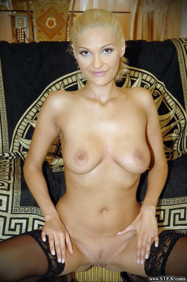 Feher-Timea-szex-Emanuelle-neven