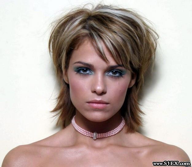 Jennifer aniston fake tits