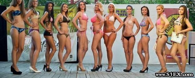 strand_szepe_verseny_bikinis_lanyok