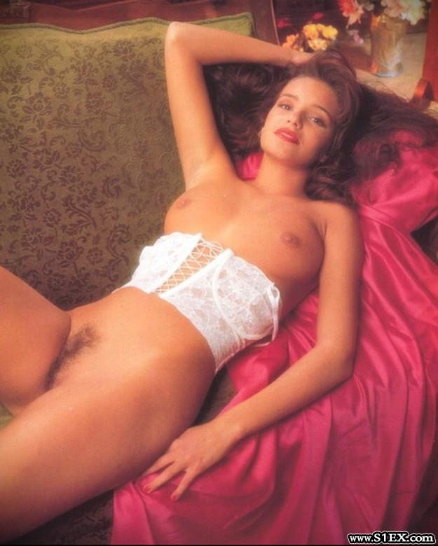Vezer-Eliza-meztelen-Elisa-Vezer-nude