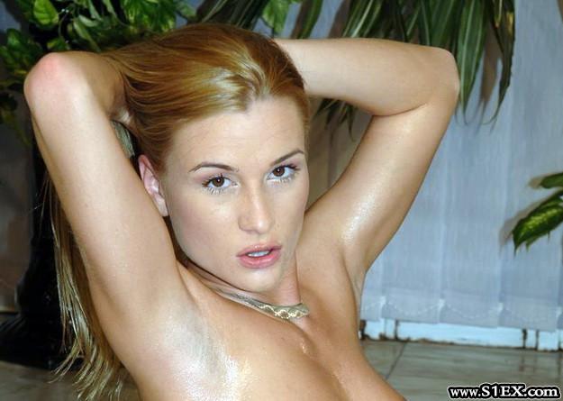Ódor Márta a pornózás egyik ribanca